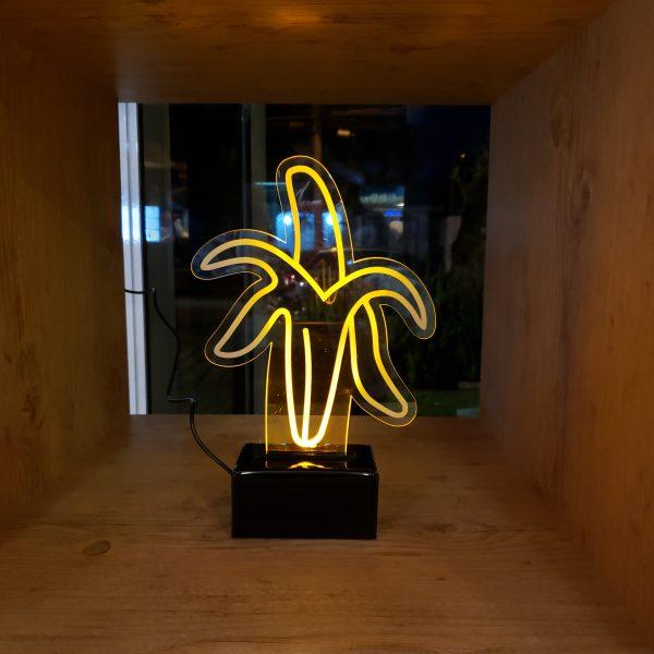 luminaria-banana-bivolt   Wall Done