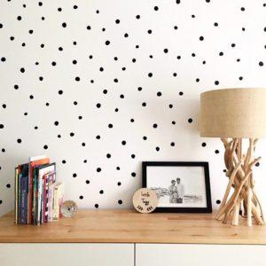 Adesivo de Parede Bolas Irregulares Ambientado | Wall Done