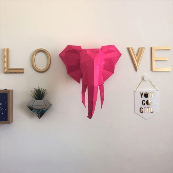 Letreiro Molduras Love Dourado Ambientado 4 | Wall Done