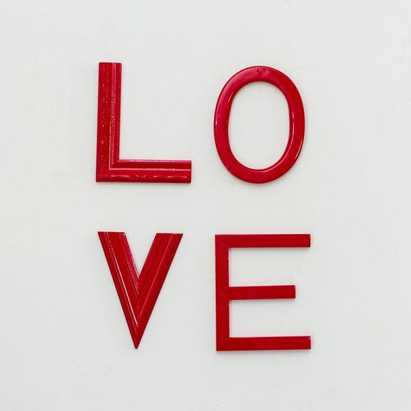 Letreiro Molduras Love Vermelho | Wall Done