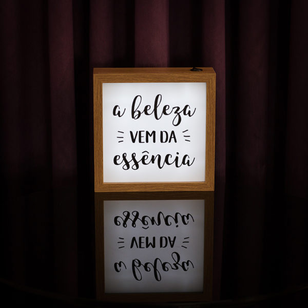 Lightbox Beleza 4 | Wall Done
