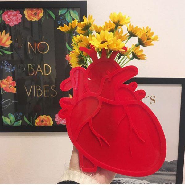 Vaso de Parede Coração Anatômico Ambientado 2 | Wall Done