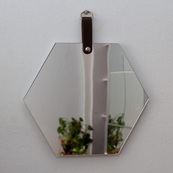 espelho-de-parede-hexagono-couro | Wall Done